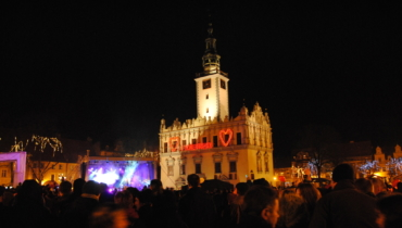 Chelmno gothic and renaissance city hall and town square during valentine's day