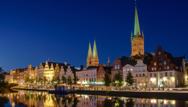 Obertrave by night © Fotolia_G. Brandenburg
