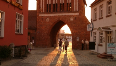 Water gate at sunset (Hanseatic City of Wismar, H. Volster)